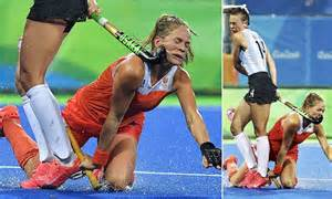 Netherlands hockey star whacked in face by Argentina ...