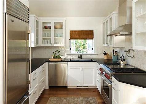 small u shaped kitchen with island kleine k 252 che einrichten neue beispiele archzine net 9359