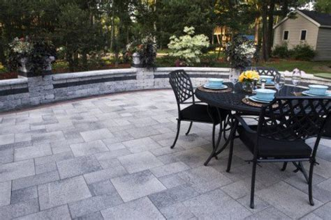 umbriano paver patio  brussels dimensional wall