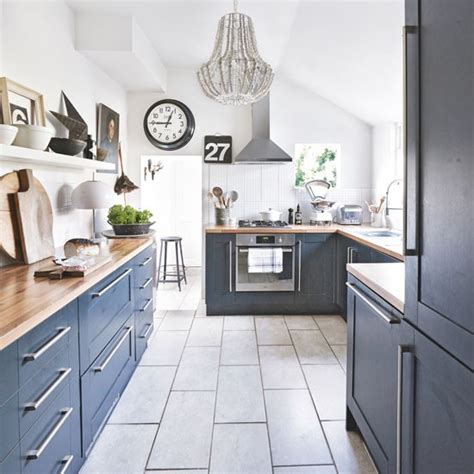 cuisine en bleu 10 idées de cuisine décorée en bleu marine bricobistro