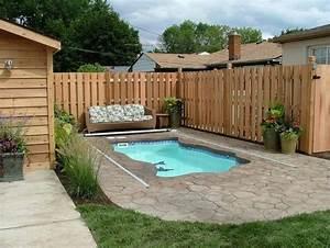 Mini Pool Terrasse : installer une petite piscine coque le luxe est d j ~ Michelbontemps.com Haus und Dekorationen