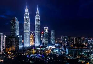 The iconic view over Petronas Towers, Kuala Lumpur, Malays ...