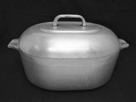 vintage cast aluminum ware  cast iron collector