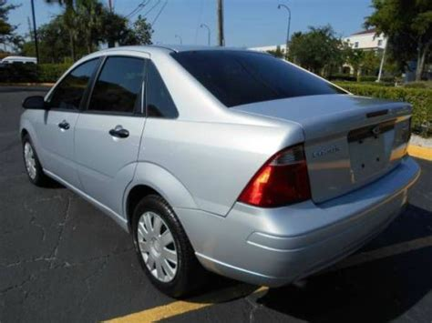 buy   ford focus zx se  speed manual  miles