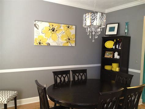 Room Decor Ideas Yellow And Gray by Grey And Yellow Dining Room With A Fabulous Chandelier