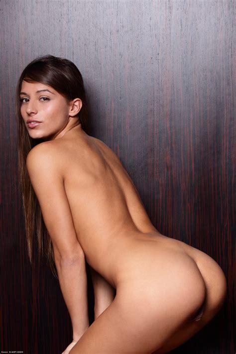 Slim Italian Teen Takes Off Her White Panti Xxx Dessert Picture 8