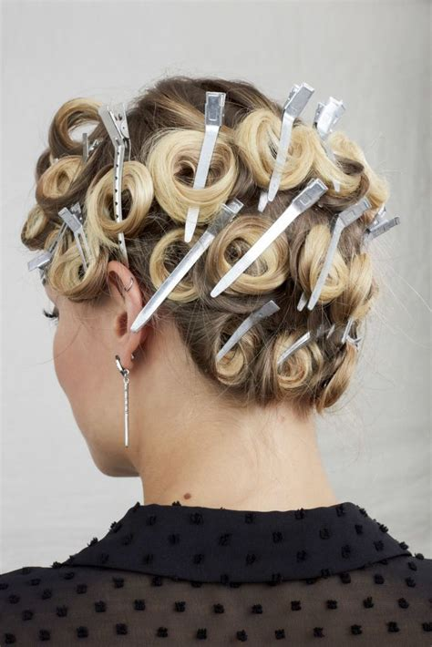Pin Curls: Follow this Easy Tutorial to Nail this Style