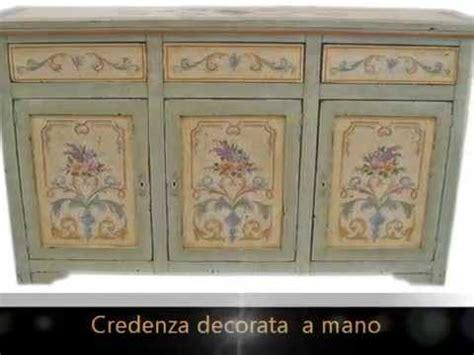 Credenze Dipinte by Credenze Classiche In Legno Massello Laccate E Decorate A