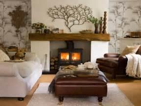 deko modern living 33 ideen für wärme und gemütlichkeit zu hause kamin als mittelpunkt