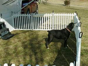 Outside fences via abbey fence u deck with outside fences for Outside dog fence ideas