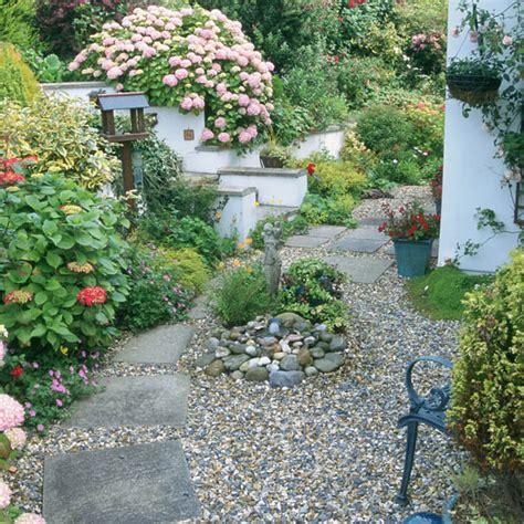 Lush Garden Ideas  Beautiful Modern Home