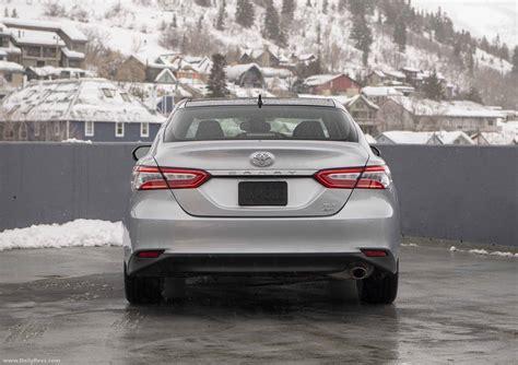 camry awd toyota 2021 xle hd voici specs auto123