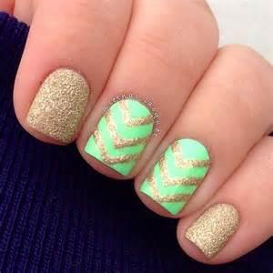 Nail designs for very short nails : Nail art ideas for short nails gold