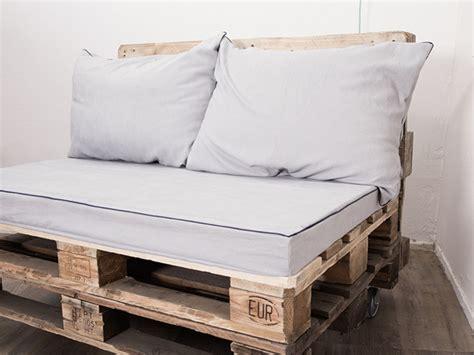 cómo coser fundas de cojín para tu sofá de palet
