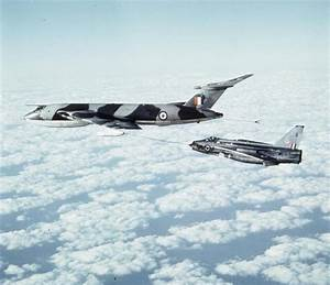 Cold War Bomber: The Handley Page Victor in Photographs ...