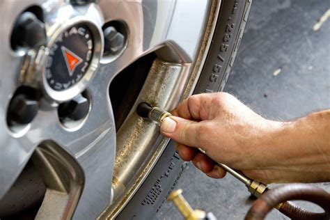How To Check Tire Air Pressure