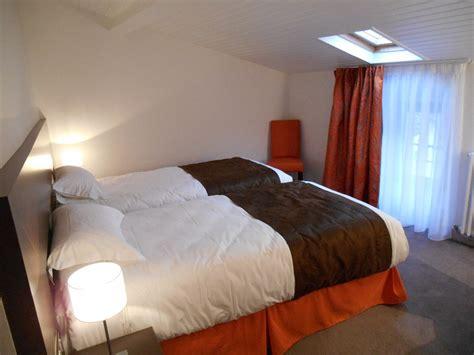 hotel chambres communicantes chambre familiale de l 39 hotel de montaulbain verdun 55