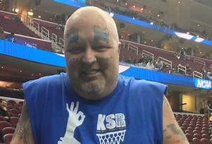 Kentucky Wildcats fan has tattoos on his forehead (Photo)