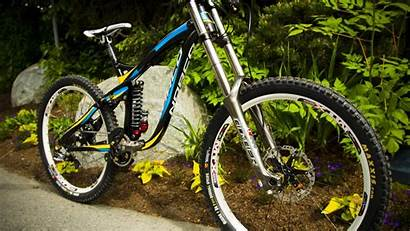 Downhill Bike Wallpapers Cool Backgrounds Wallpaperaccess