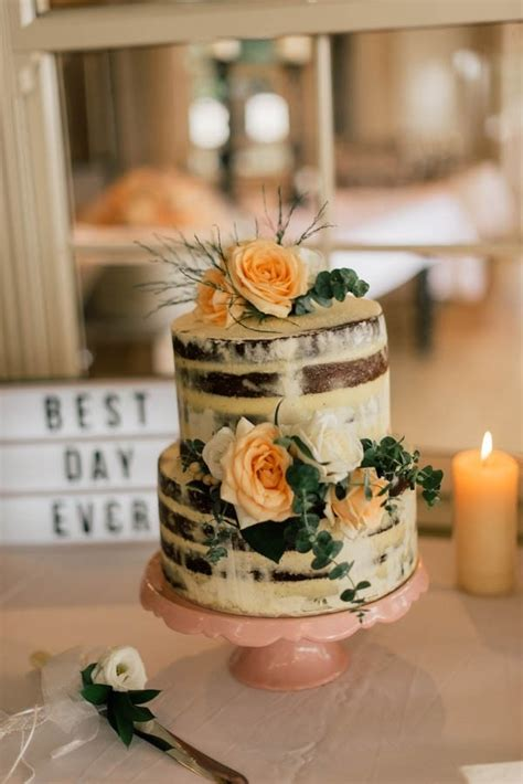 bohemian  naked cake  peach floral decorations