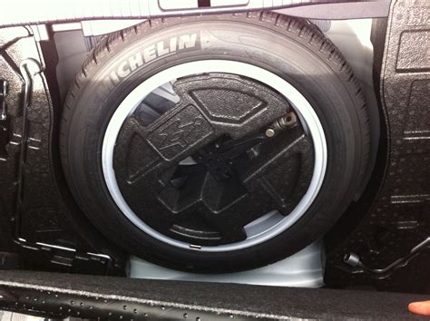 fit  full spare tire    trunk