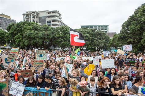 support  student climate strike  portugal news