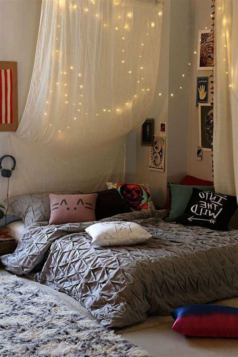 voilage chambre adulte les 25 meilleures idées concernant ciel de lit sur