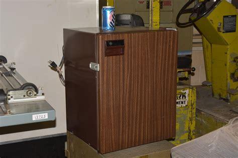 general electric type scssarwg mini fridge refrigerator