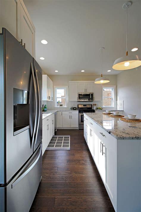 woodsman kitchen and floors jacksonville woodsman kitchens floors 21 photos carpeting 11732 1965