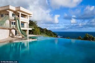 maison de justin bieber justin bieber rents 10k a mansion in hawaii with rooftop helipad to ferry pals daily