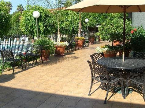 view fromjaccuzzi at palm garden hotel picture of palm garden hotel thousand oaks tripadvisor