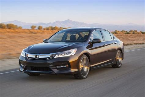 2016 Honda Civic Vs. 2016 Honda Accord: What's The