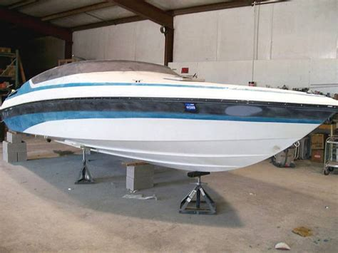 How To Spray Paint A Fiberglass Boat by Painting A Boat Defendbigbird