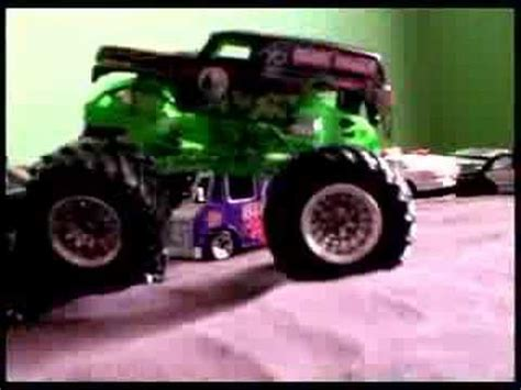 grave digger monster truck youtube monster truck grave digger vrs chillan villan youtube