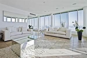 deco salon blanc pour un interieur lumineux et moderne With tapis de marche avec canapé tout salon