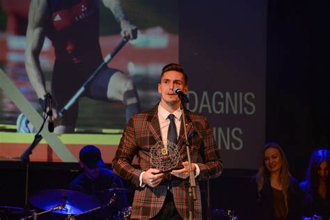 Palameika un Iļjins iegūst gada labāko sportistu balvu ...