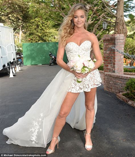 Denise Richards Give Me A Hand Job Phpto Sex