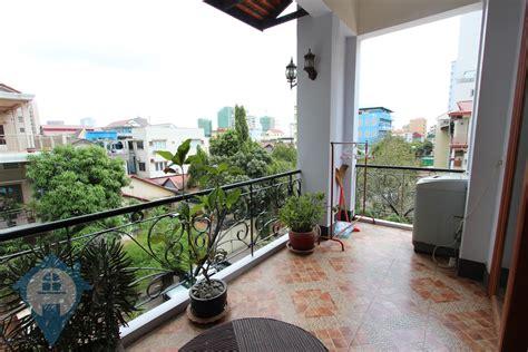 Large Balcony 2 Bedroom Apartment Near Russian Market