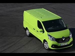 Nouveau Renault Trafic : nouveau renault trafic de nouveaux moteurs souples et tr s conomes youtube ~ Medecine-chirurgie-esthetiques.com Avis de Voitures