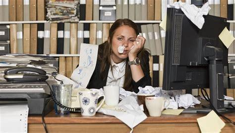 aller travailler malade un danger coworking