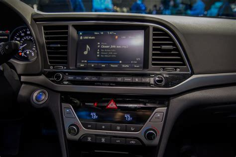 2017 Cars With Android Auto by 2017 Hyundai Elantra Gets Android Auto Apple Carplay