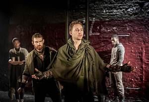 REVIEW – NTLIVE – CORIOLANUS | Riot in the Cheap Seats  Coriolanus
