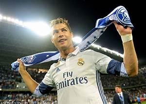 Real Madrid head straight home to celebrate La Liga title ...