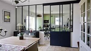 une verriere dans la cuisine pour une deco retro style atelier With porte d entrée alu avec comment bien éclairer un miroir de salle de bain