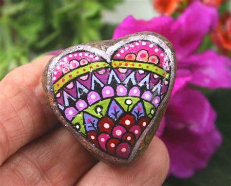 Pintada piedra Mandala Corazones de piedra por