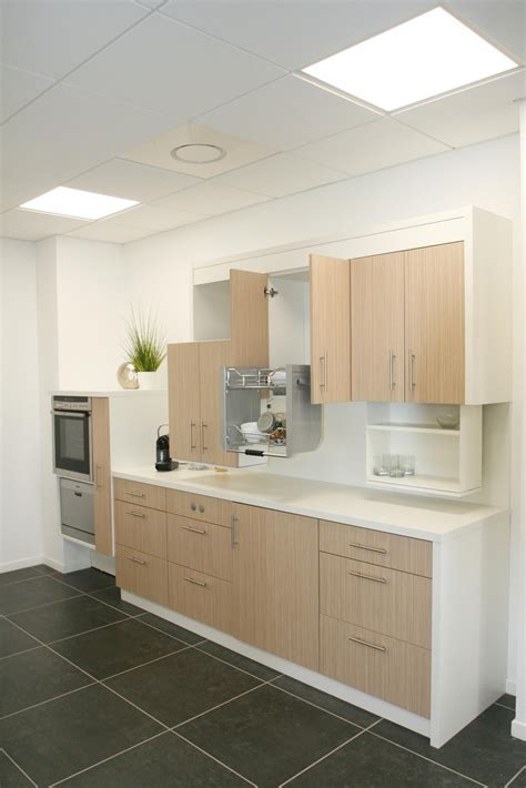 hauteur meuble haut cuisine cuisine adaptée pmr avec modulhome