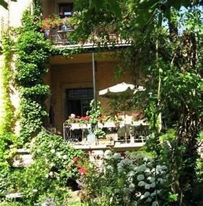 garten With französischer balkon mit wacholder im garten