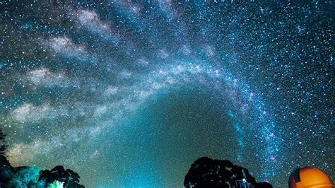 See The Awesome March Milky Way Across Night Sky