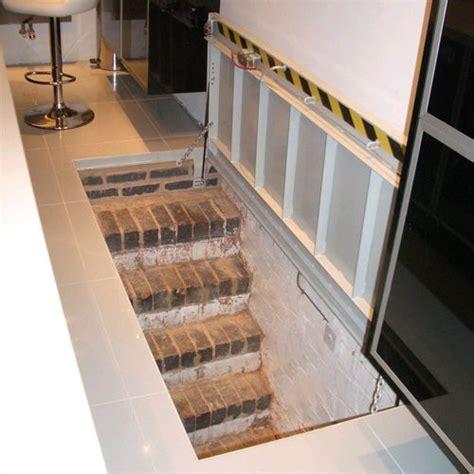 trappe escalier cave cave a vin grottes chemin 233 es et entr 233 e