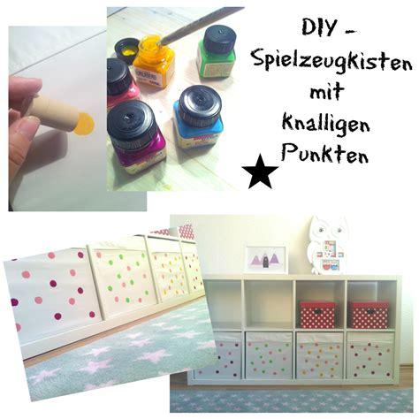 Kinderzimmer Mädchen Diy by Diy Spielzeugkisten Selbst Gestalten Mit Knalligen